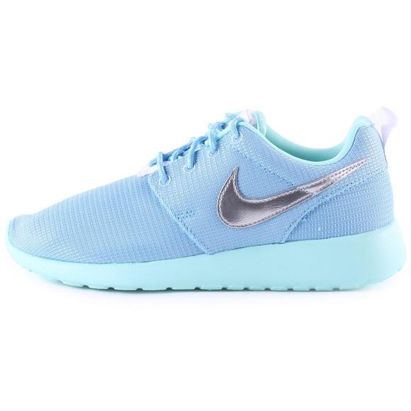 huge discount 7cf7d 1f203 Nike Baby blue roshes
